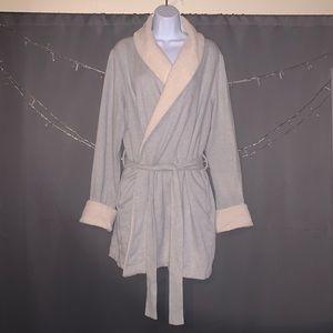 Victoria's Secret Robe (Never Worn)! 🌹🌹🌹